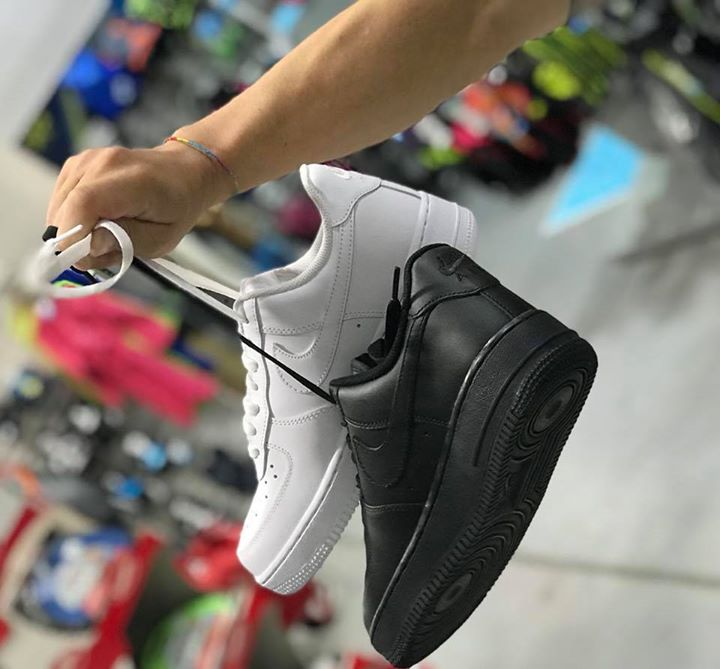 Air Force one low white and black