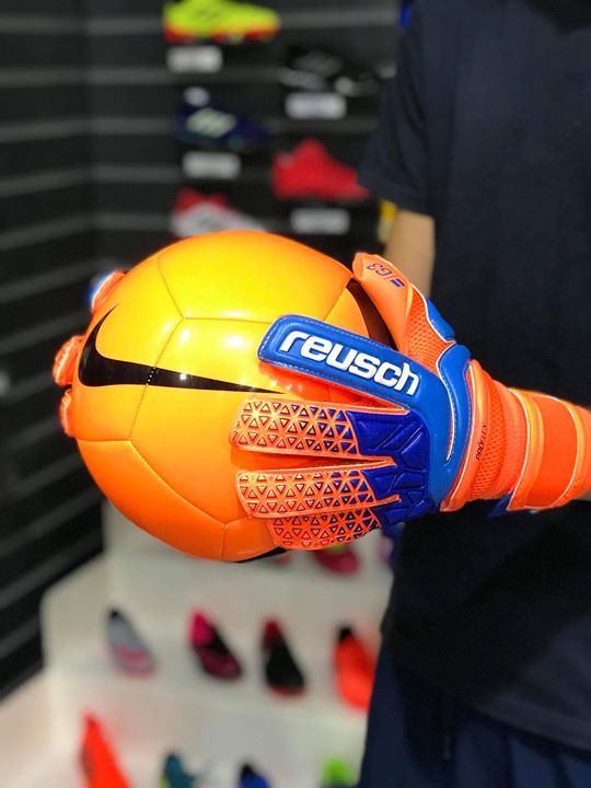 Ragazzi è arrivata la nuova collezione di guanti reusch! Non vi fate scappare niente!!!️️️